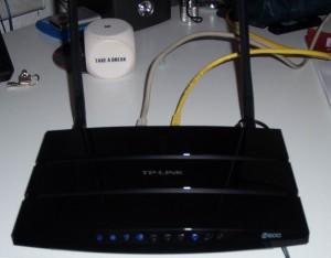 Ein TP-Link WDR3600 bei der Einrichtung